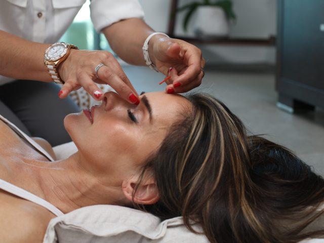 Akne behandling